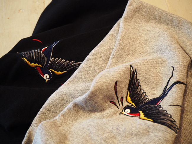 BIG SWALLOW HOODIE SWEAT <ART WORK by H.U.>.JPG